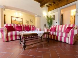 018-Appartamento-Elegante-Appartamento-In-Centro-Storico-A-Firenze-Sole-di-Firenze